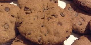 Merenda fatta in casa: biscotti con gocce di cioccolato
